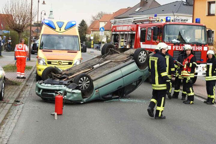Rettungskräfte brachten die schwer verletzte Frau in das Universitätsklinikum Leipzig.