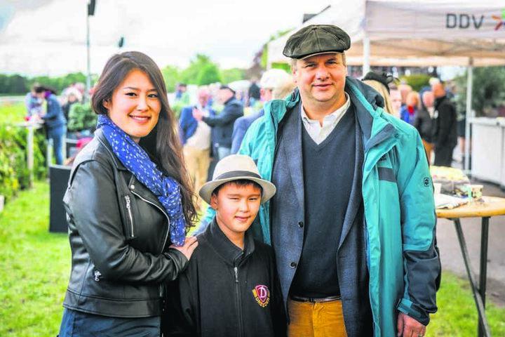 OB Dirk Hilbert (47) wettete mit seiner Frau Su Yeon (38) und Sohn Lucas (8).