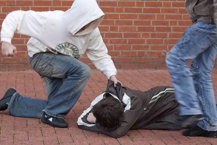 Es ist keine Seltenheit, dass es an Schulen gewalttätige Übergriffe gibt (Symbolbild).