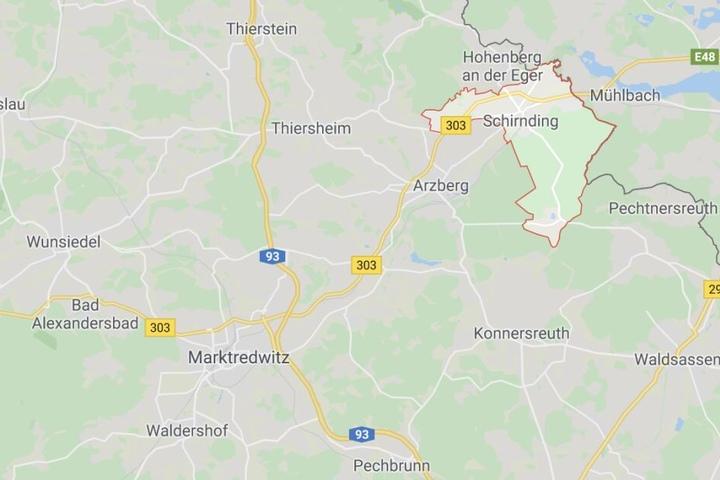 Bei einer Kontrolle an der tschechischen Grenze hat die Polizei 54 Kilogramm verbotene Böller beschlagnahmt.