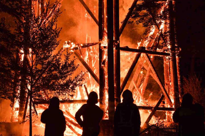 Im Oktober 2017 wurde der Goetheturm durch Brandstiftung zerstört.