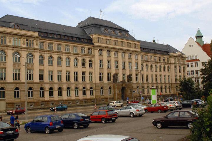 Der Tatort befindet sich in unmittelbarer Nähe zur Polizeidirektion.