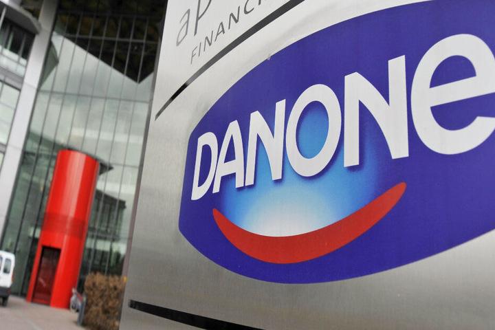 Der französische Lebensmittelkonzern Danone schließt ein Joghurt-Werk in Deutschland. (Symbolbild)