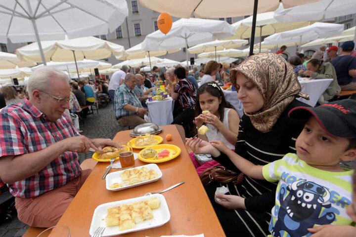 Das Friedensfest ist ein bundesweit einmaliger städtischer Feiertag, an dem die Fabriken, Geschäfte und Büros in Augsburg geschlossen bleiben. (Archivbild)