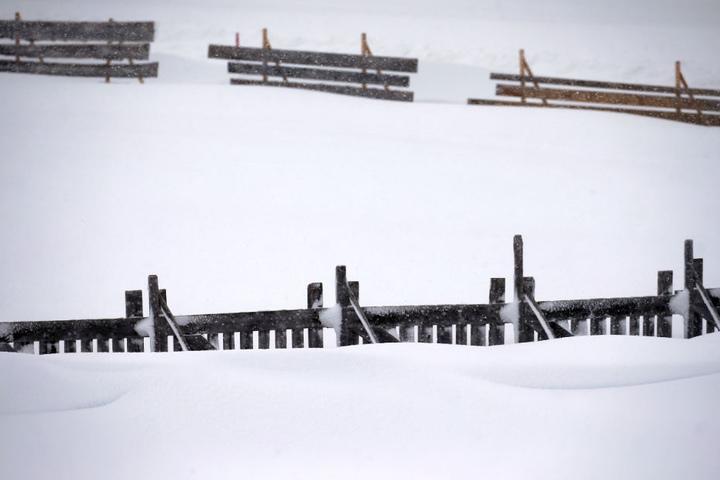 Rund 150 Zentimeter Neuschnee fielen in den letzten Tagen in der Region. (Symbolbild)