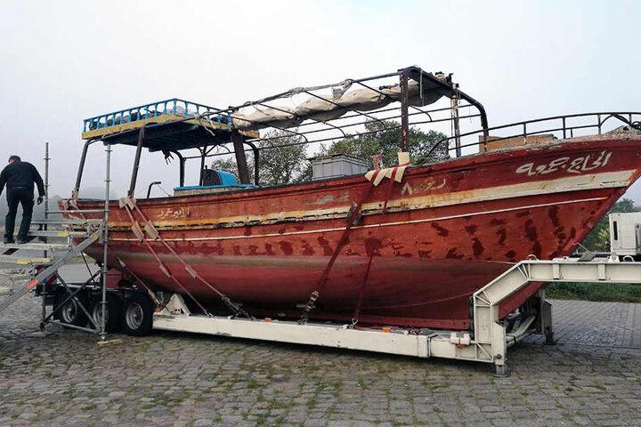 Das Boot in den Morgenstunden im Neustädter Hafen.