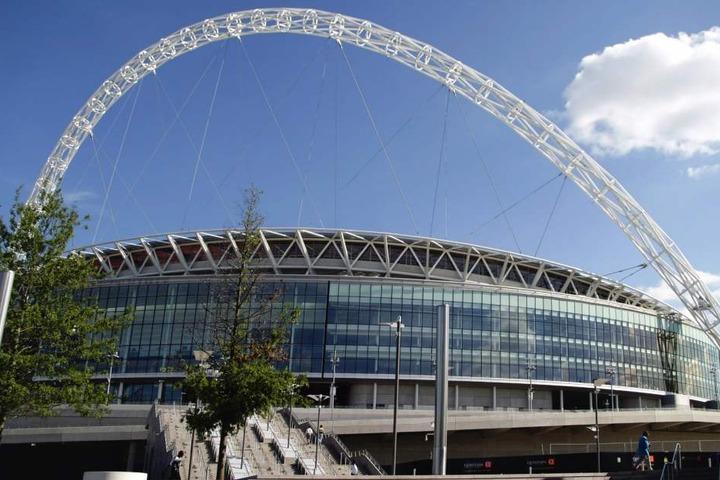 Im Wembley Stadium trifft am Mittwochabend Tottenham im Ligaspiel auf Hasenhüttls neuen Klub Southampton. Der Österreicher wird da aber noch nicht auf der Bank, sondern auf der Tribüne sitzen.