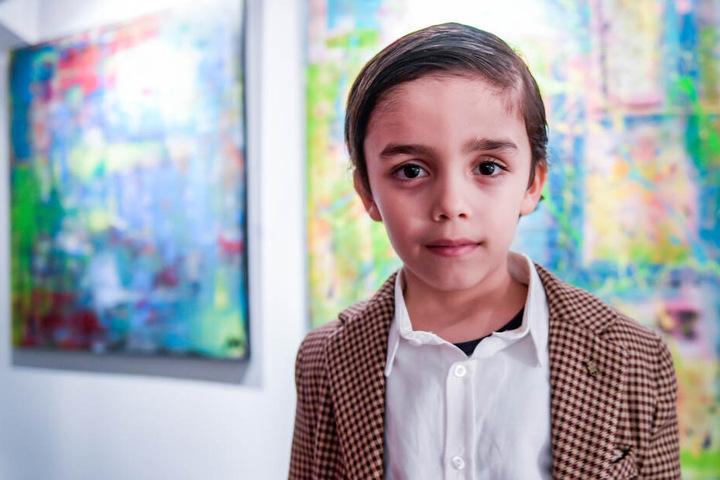 Eine Galerie in der Hamburger Hafencity zeigt seine ersten Kunstwerke.