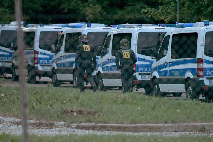 Die Polizei rückte nach der gescheiterten Abschiebung mit einem Großaufgebot an.