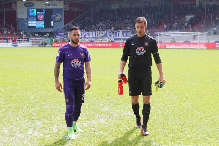 Calogero Rizzuto und Martin Männel nach dem Spielabbruch in Heidenheim.