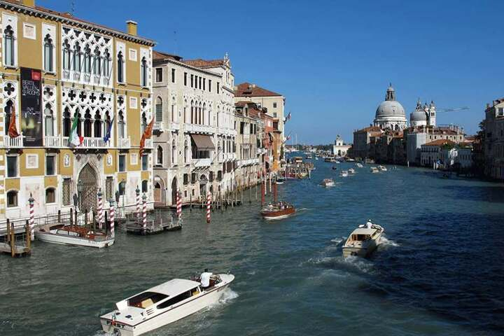 Der Zwischenfall geschah auf dem Flug nach Venedig.