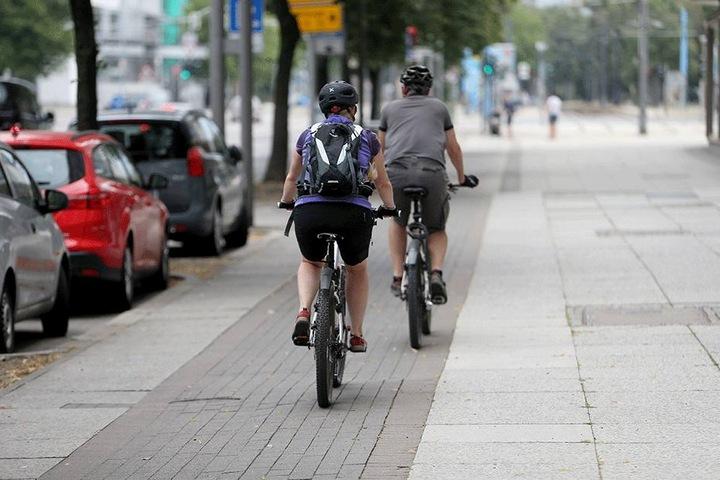 Zoff um Radwegnutzung: Immer mehr Fahrradfahrer steigen auf E-Bikes um.