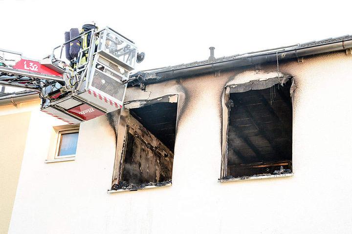 Experten suchen jetzt nach der Brandursache.