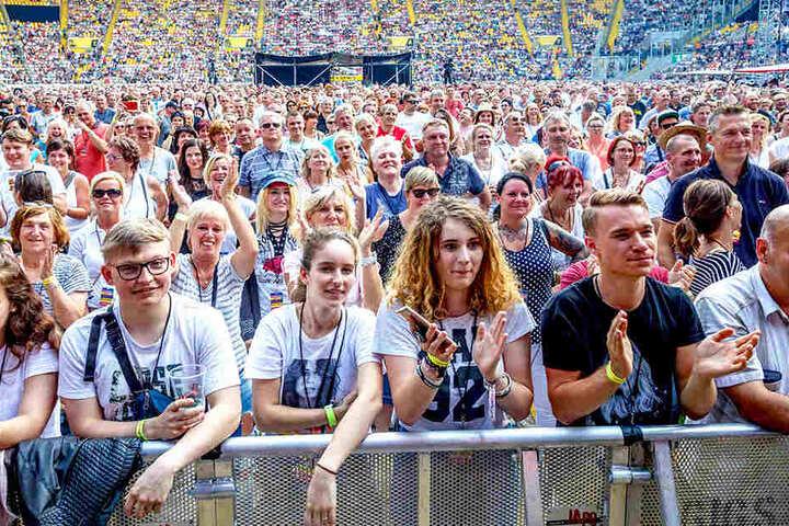 """Rund 20000 Besucher kamen 2018 zur Dresden-Premiere der """"Schlagernacht des Jahres""""."""
