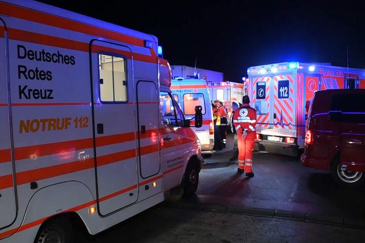 Ein Großaufgebot an Rettungskräften versorgte die Verletzten.