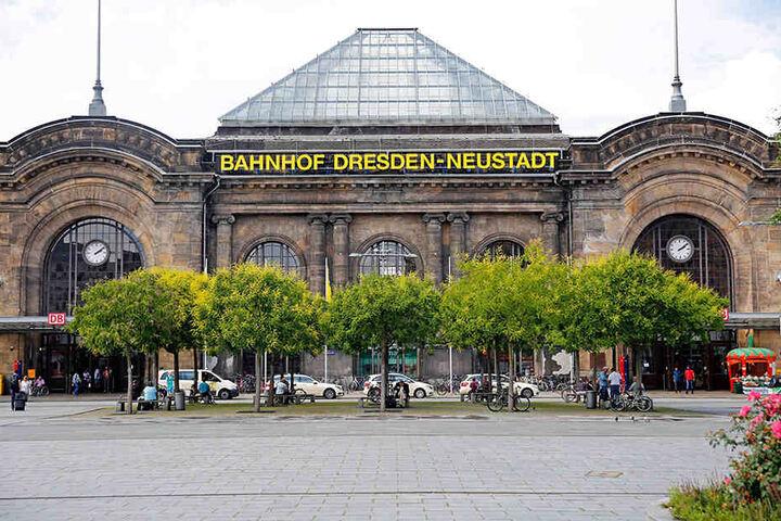 Gerade erst wurden Fernbusse vom Bahnhof Neustadt verdrängt, jetzt ist der  Platz zumindest im Variantenvergleich wieder mit im Rennen.