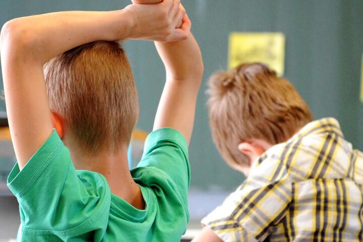 Die Zahl von Schülern mit einem sonderpädagogischen Förderbedarf ist in Bayern gestiegen. (Symbolbild)