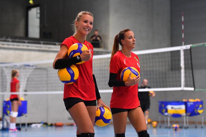 Mareen von Römer (32, links) ist neuer Kapitän des DSC. Lenka Dürr (28, rechts) ist ihre Stellvertreterin.
