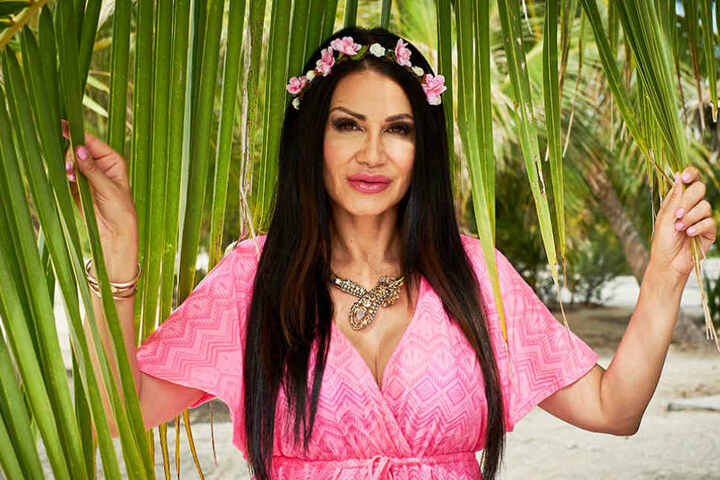 Das ehemalige Model Djamila Rowe hat ihre Lippen vor der Aufzeichnung nachbessern lassen.