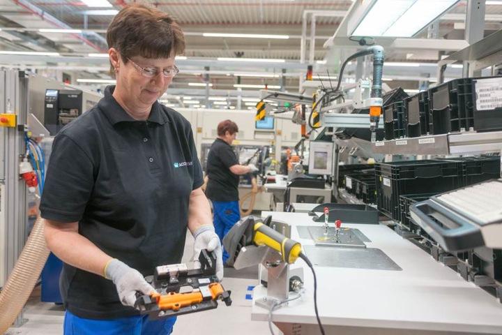 Die Firma Accumotive liefert künftig Batterien für Mercedes, hergestellt in Kamenz.