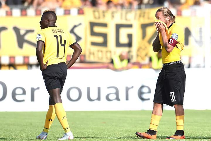 Enttäuschung bei Moussa Koné und Patrick Ebert nach dem Pokal-Aus im Vorjahr.