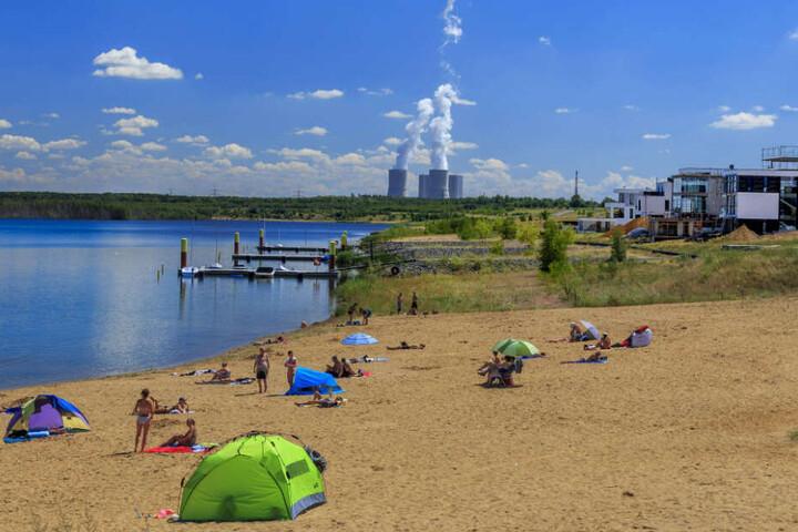 Wo einst Jens' Heimatort war, ist heute der Zwenkauer See.