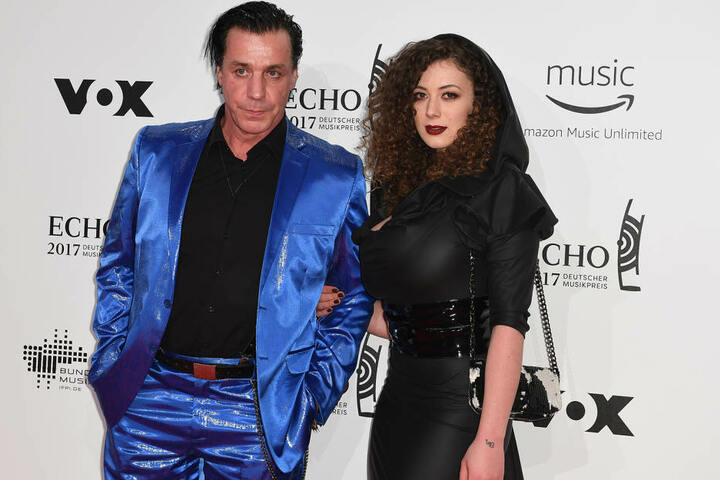 Seit 2011 lieben und trennen sich Sophia und Rammstein-Frontmann Till Lindemann (52). Zu Echo-Verleihung erschien er jedoch mit Nacktmodel Leila Lowfire (24).