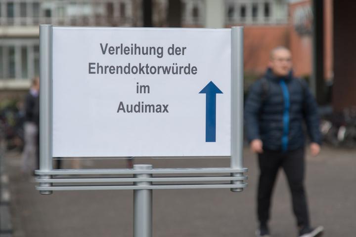 Die Verleihung fand im Audimax der Uni Paderborn statt.