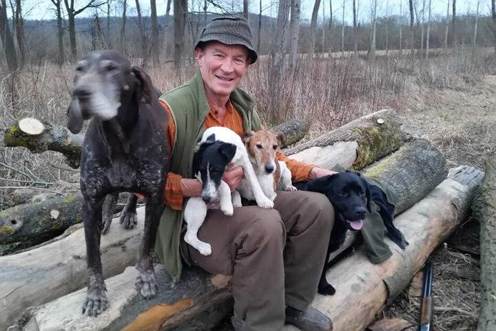 Auf der Suche nach Fuchsbauten entdeckte Jagdaufseher Vittorio Nicoloso (74) den Schädel des Dresdners.