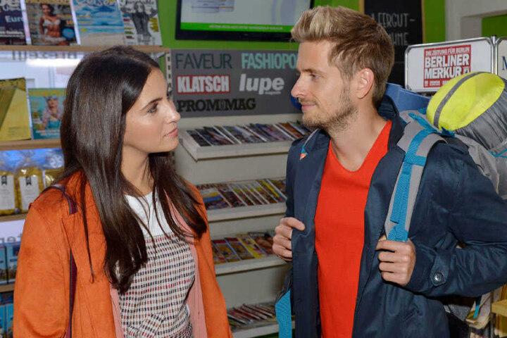 Nach seiner Rückkehr trifft Philip im Späti auf Laura.