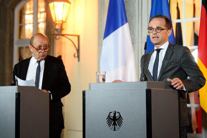 Außenminister Heiko Maas (52, SPD) und sein französischer Kollege Jean-Yves Le Drian (71) bieten Hilfe an. (Archiv)
