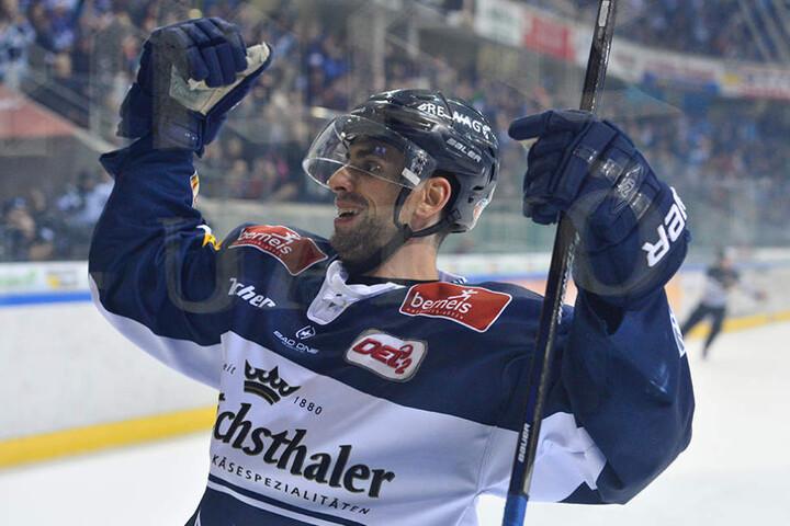 Legte den Grundstein: Alexander Höller erzielte das 1:0 für die Eislöwen.