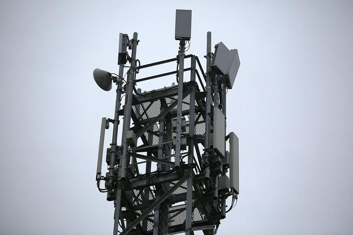 Für 5G werden deutlich mehr Sendemasten benötigt, als für die herkömmlichen Techniken. (Symbolbild)