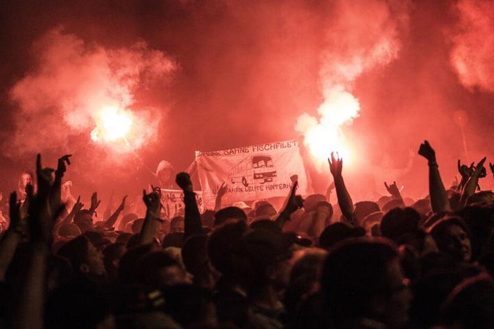 Die Rock- und Hip-Hop-Fans feierten ausgelassen und euphorisch. Vorfälle soll es während des Festivals keine gegeben haben.