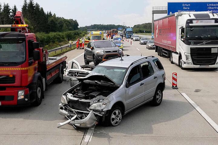 Bei dem Unfall auf der A4 gab es mehrere Verletzte.