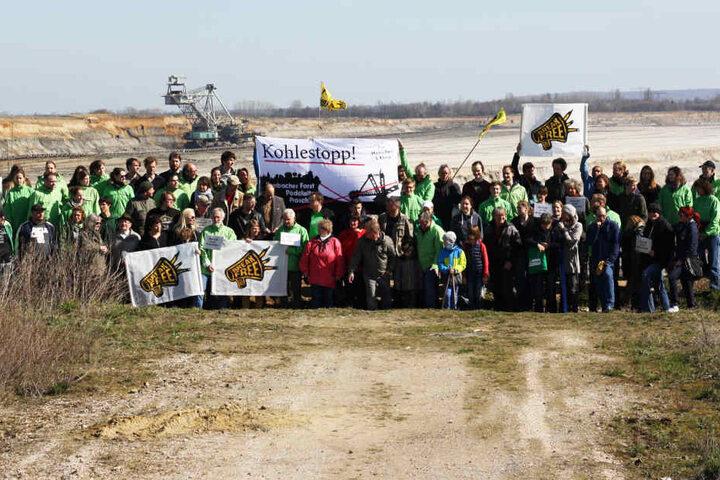 Die Bürgerinitiative Pro Pödelwitz erhielt Unterstützung durch viele Aktivisten verschiedener Umweltverbände.