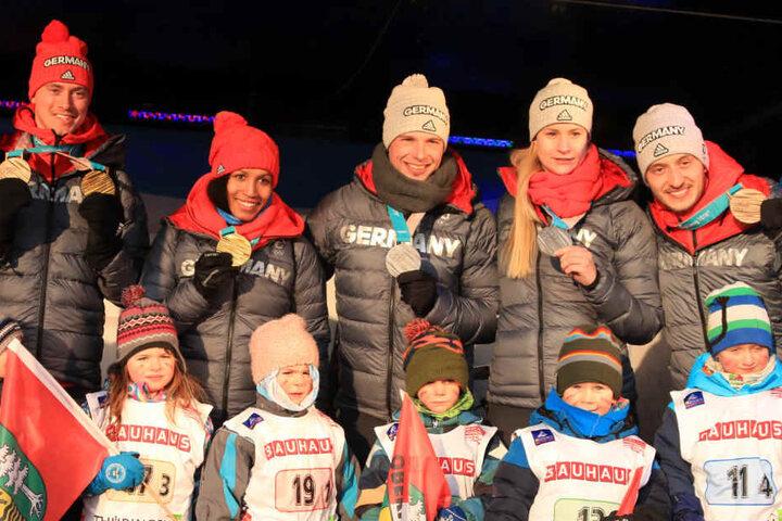 Große Freude beim Team Thüringen über das gewonnene Edelmetall.