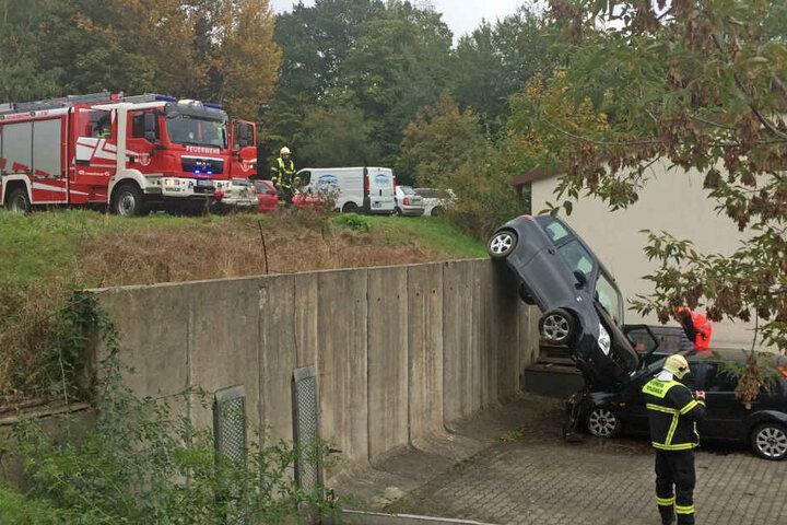 Die 79-jährige Fahrerin und die Beifahrerin kamen mit dem Schrecken davon.