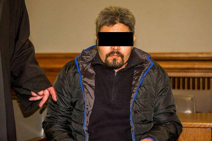 """Muss sich wegen Mordes verantworten: Ghulam R. (39) - die Anklage bescheinigt ihm einen """"absoluten Vernichtungswillen"""", als er auf seine hochschwangere Frau einstach."""