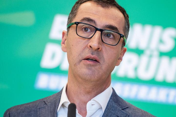 Unter anderem gab es Todesdrohungen gegen Grünen-Politiker Cem Özdemir (53).