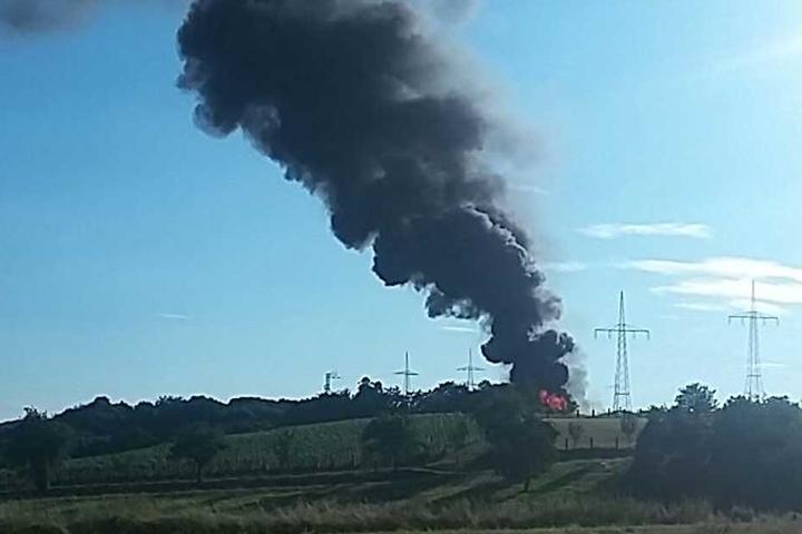 Eine riesige Rauchsäule war kilometerweit zu sehen.