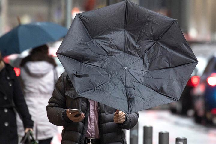 An diesem Wochenende muss man sich auf lang anhaltende Regenfälle einstellen.