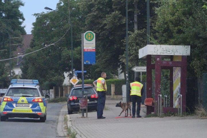 Die Polizei suchte nach dem Unfall mit einem Fährtenhund im angrenzenden Markkleeberg nach dem Flüchtigen - ohne Erfolg.