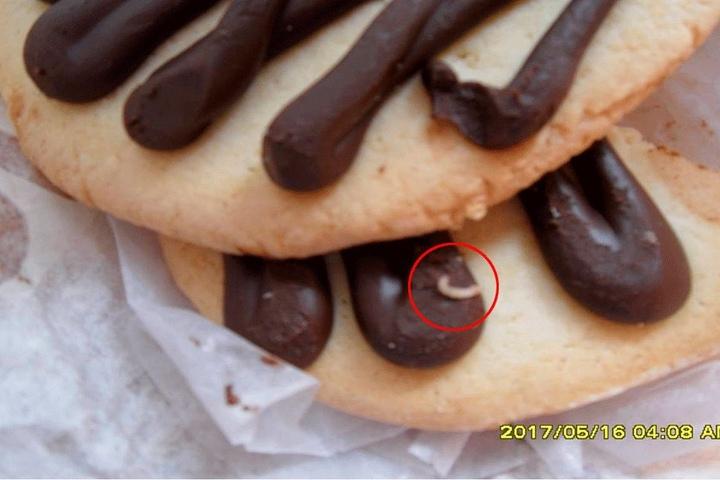 Sogar lebende Maden fanden die Prüfer auf Keksen in einer Dresdner Bäckerei.