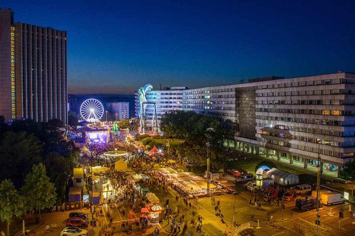 Ob's wieder 250.000 Besucher werden? Das Stadtfestwochenende lockt mit sechs Bühnen und jeder Menge Fahrgeschäften.