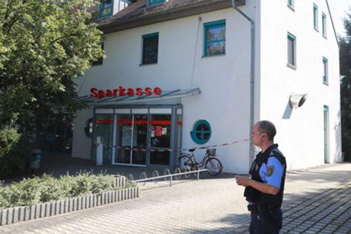 Diese Sparkassen-Filiale in Heidenau wurde überfallen.