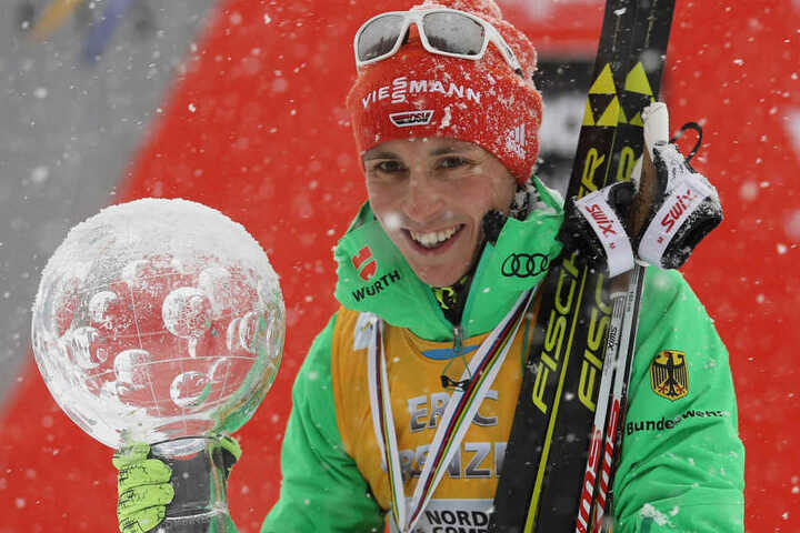 Platz 1 ging an Eric Frenzel! Der Nordische Kombinierer räumte auch schon im Weltcup ab.