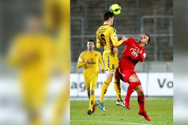 Fabian Schnabel (r.) feierte gegen Großaspach sein FSV-Debüt.
