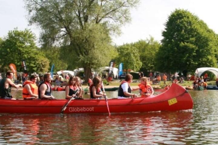 Boote können vor Ort ausgiebig getestet werden.