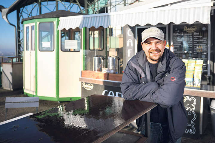 Martin Wiese (34) ist Pächter des Cafés an der Schwebebahn in Loschwitz.